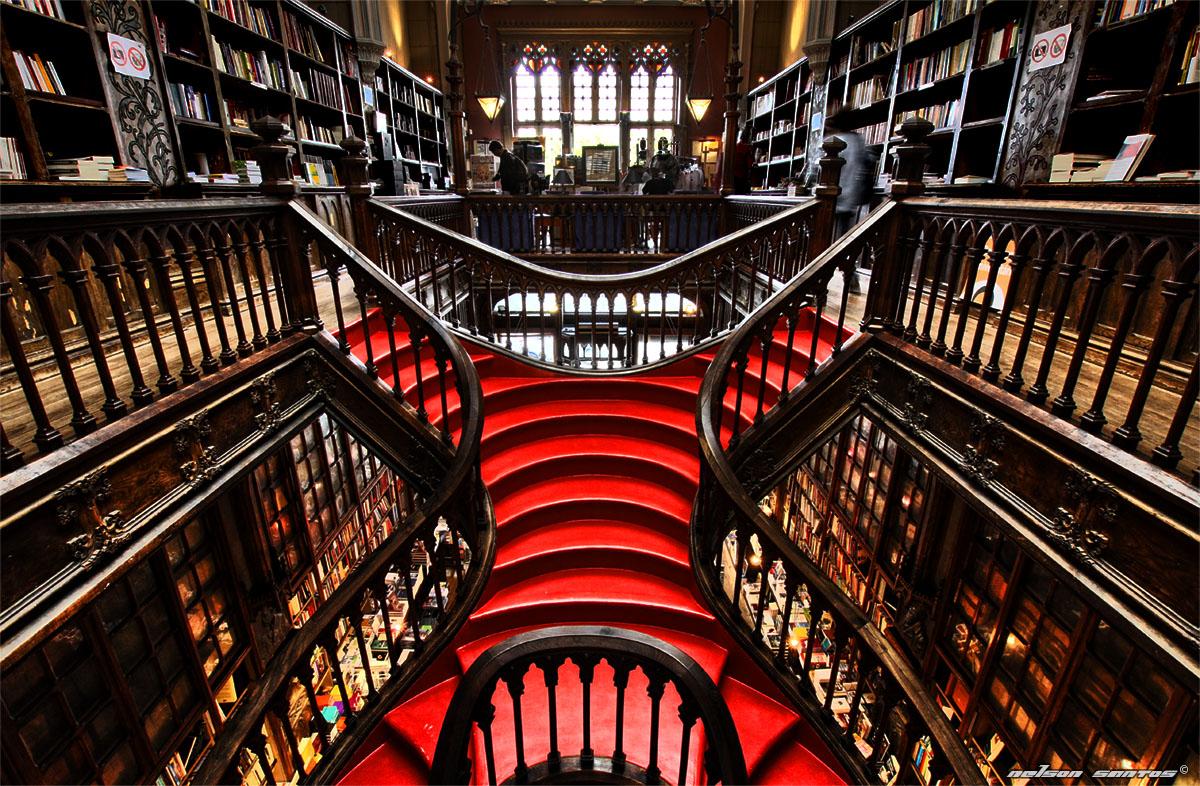 Sjajne mistične stepenice u knjižari Lello