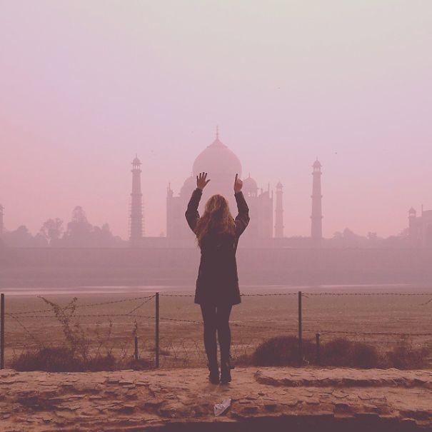 Tokom svog putovanja, posjetila je i Tadž Mahal