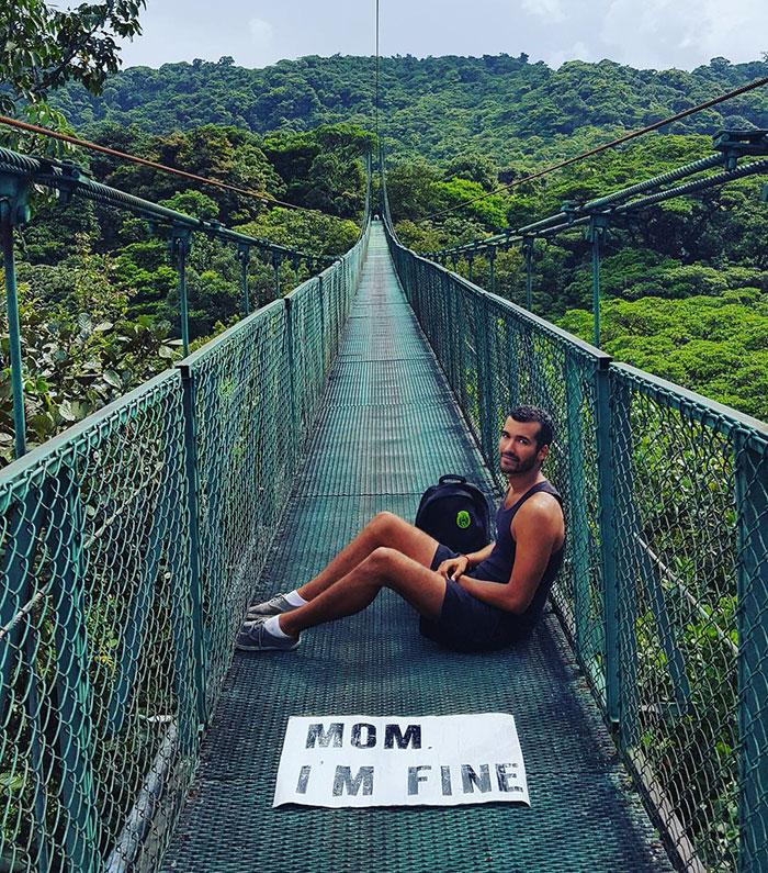 mom-im-fine-guy-travels-around-the-world-jonathan-quinonez-12