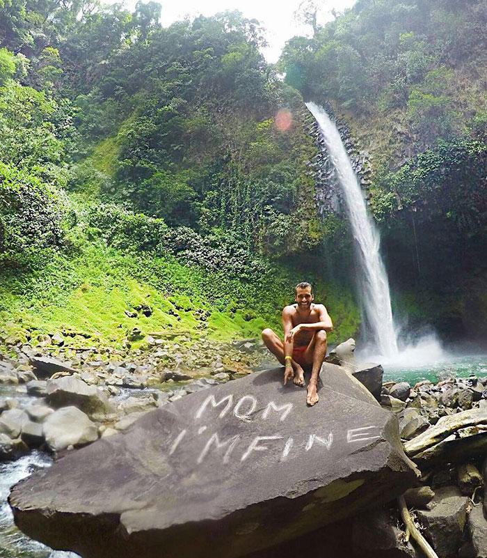 mom-im-fine-guy-travels-around-the-world-jonathan-quinonez-9