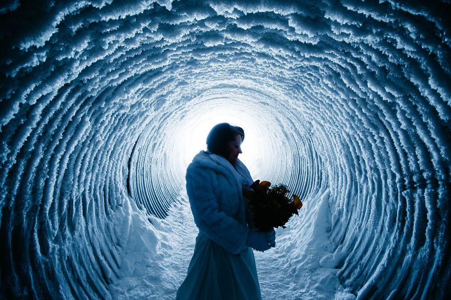 we-organized-the-first-wedding-inside-a-glacier-in-iceland-20__880 (1)