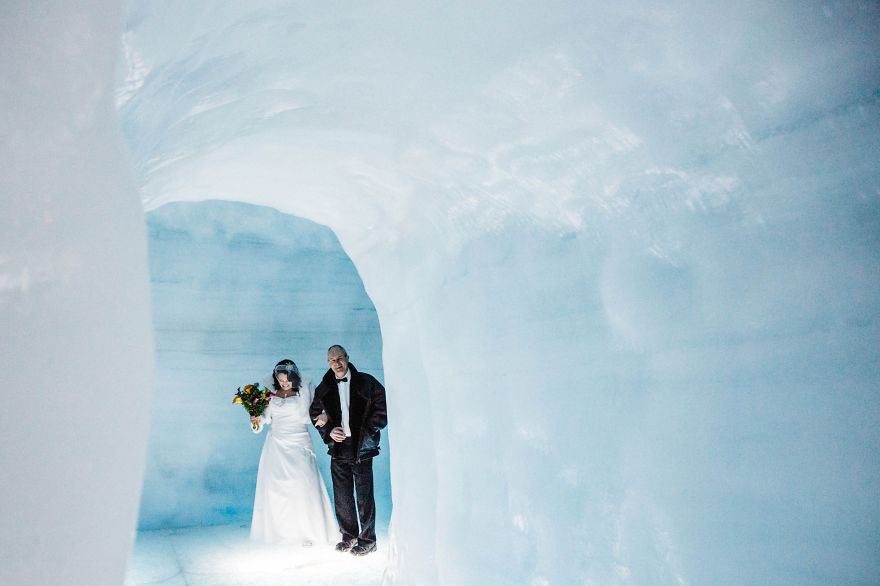 we-organized-the-first-wedding-inside-a-glacier-in-iceland-24__880