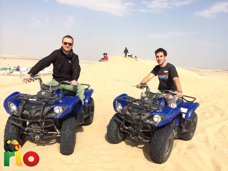 Moj dobar prijatelj Jazz i ja u pustinji u Dohi