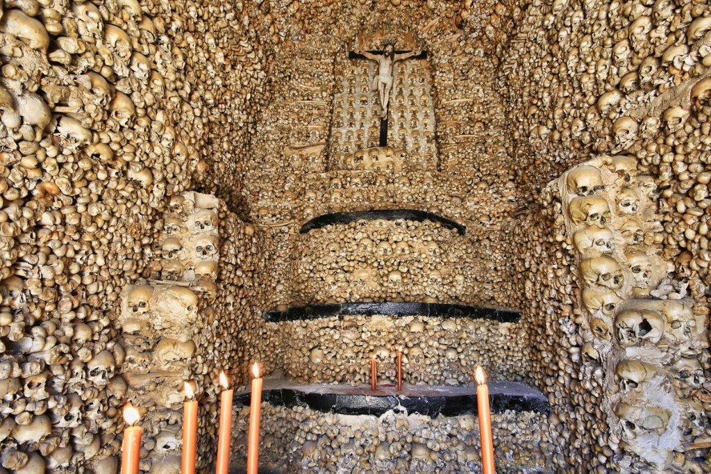 kapela kostiju evora