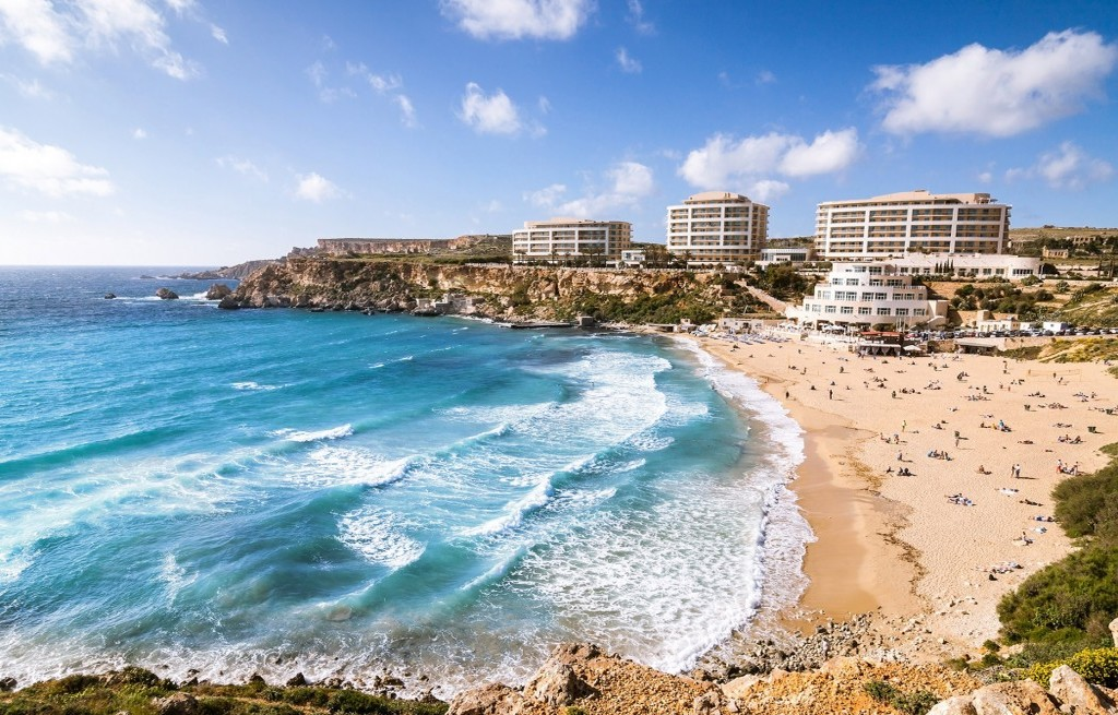 Golden bay plaža na Malti