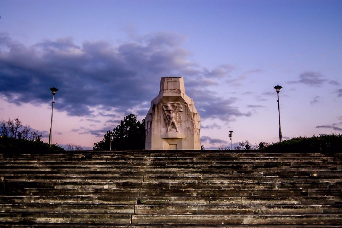 Spomenik palim borcima