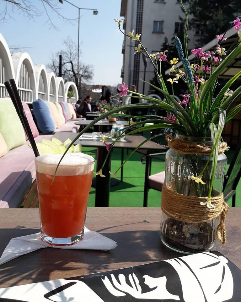 smuggler cocktail bar