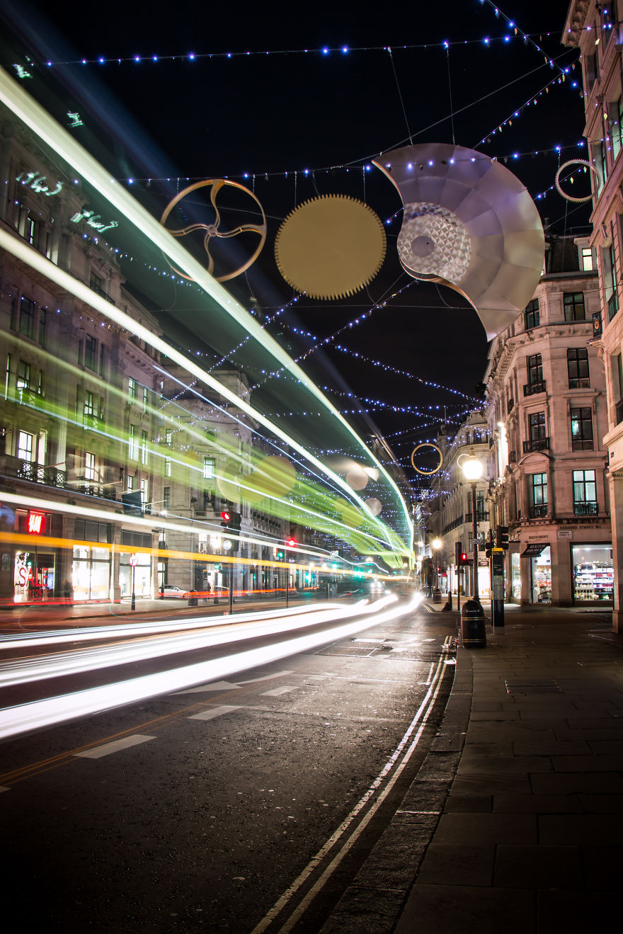 2015-christmas-decorations-in-london-are-simply-stunning-4__880