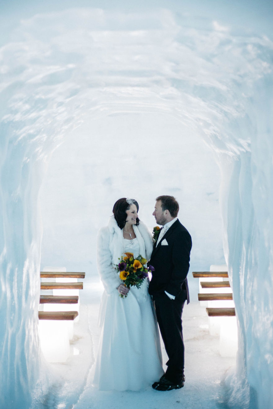 we-organized-the-first-wedding-inside-a-glacier-in-iceland-27__880