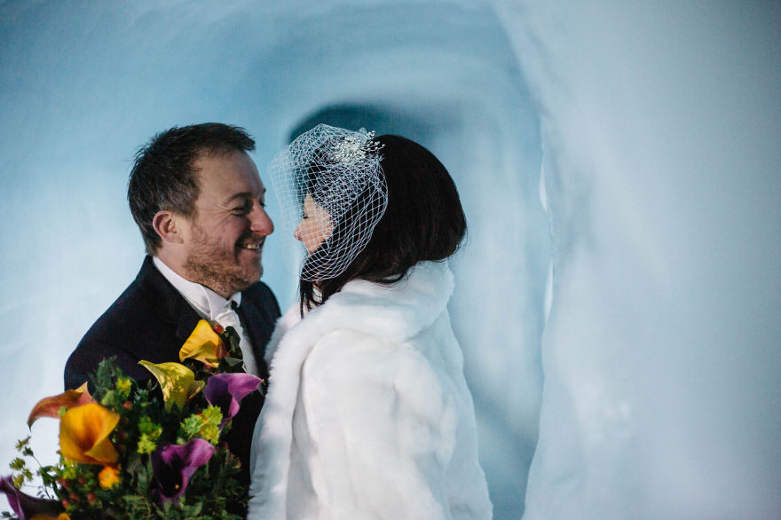 we-organized-the-first-wedding-inside-a-glacier-in-iceland-33__880
