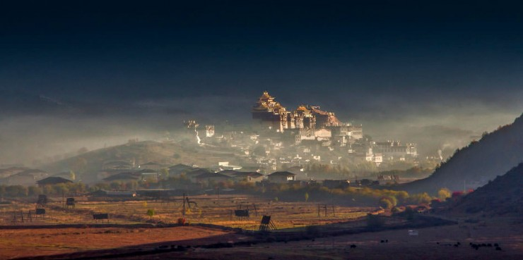 Top-Ancient-Towns-Songzanlin-Photo-by-FaceChoo-Yong-740x369