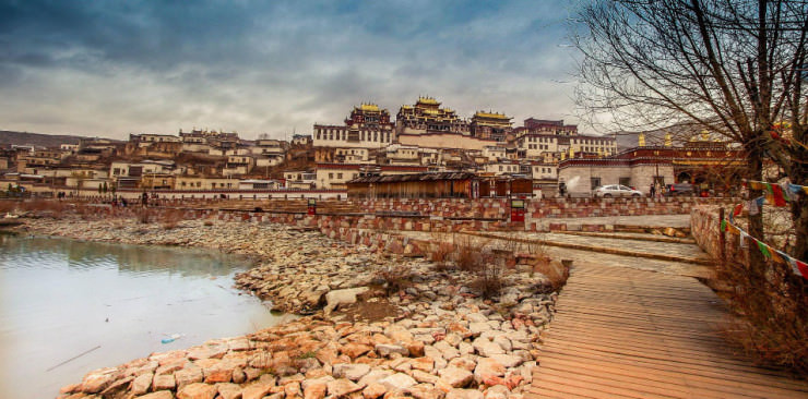 Top-Ancient-Towns-Songzanlin-Photo-by-Rungthum-Lee
