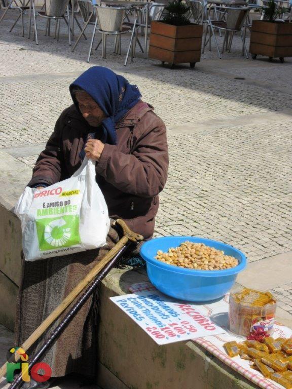 Stara baka na ulicama grada na rijeci Mondego