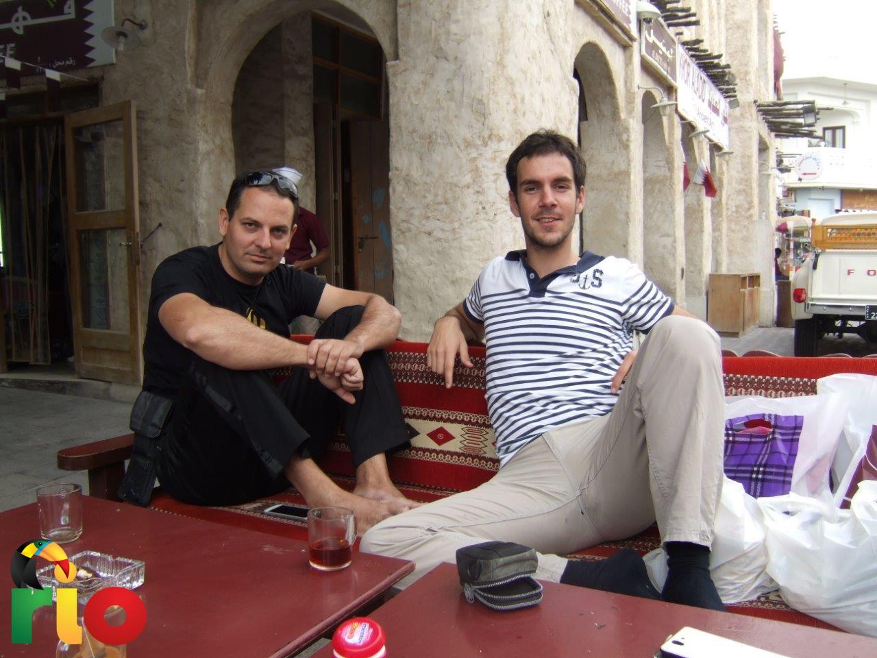 odmor u jednom od kafića u Dohi