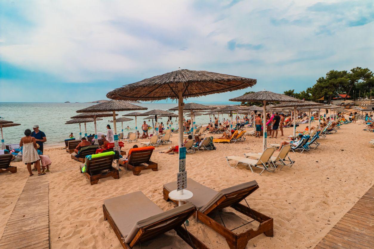 Plaža Psili Amos