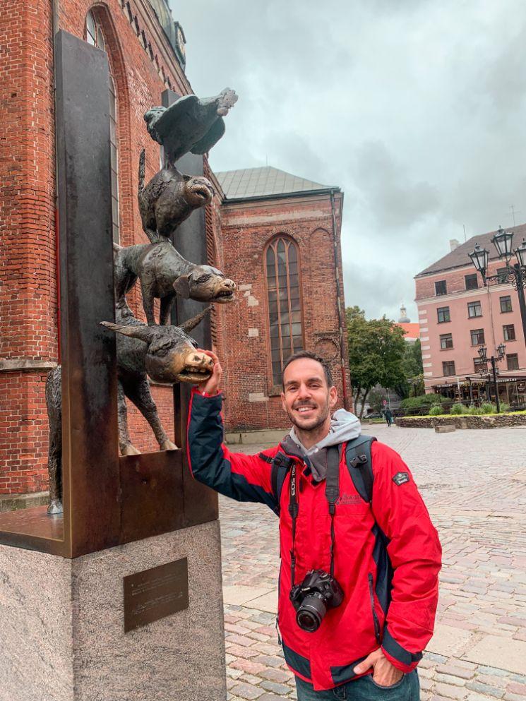 Spomenik 4 svirača Riga